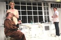 Szene aus dem Theaterstück `Eine Familie` (Photo: M. Hörnschemeyer)