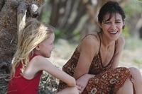 Mutter Dawn und achtjaehrige Tochter Simone
