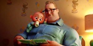 Szene aus dem Film Die Unglaublichen 2 mit Vater Bob Parr auf dem Sessel mit Baby Jack-Jack.