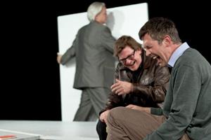 Szene aus dem Theaterstueck Kunst von Yasmina Reza am WBT in Münster